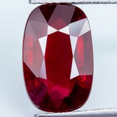 """Vivid Red - Ruby Mozambico """"Blood Pigeon Blood"""" - 5.02 ct"""