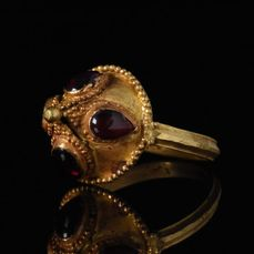 Ancient Roman Gold Ring with Garnet Stones - SUPERB