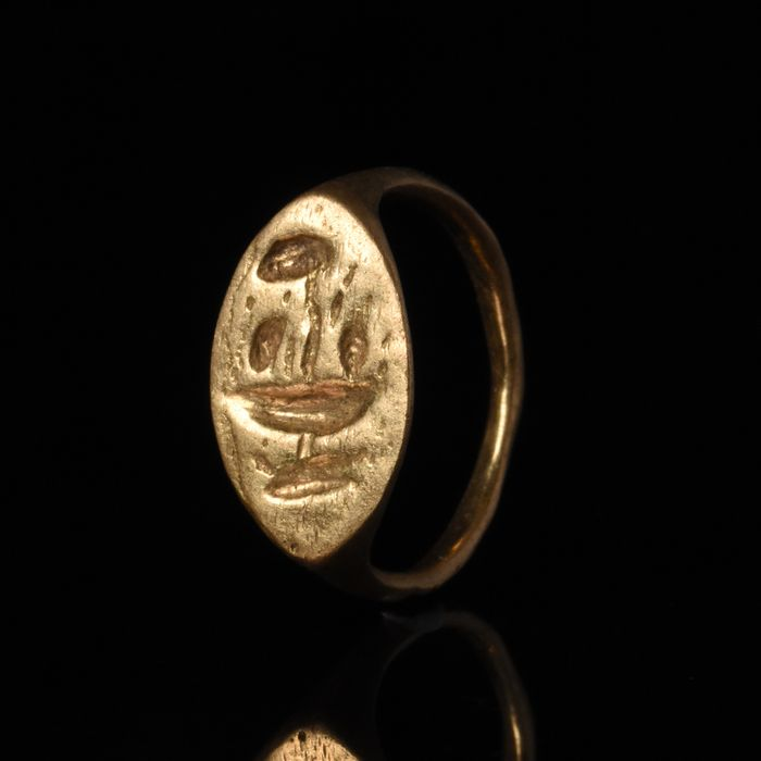 Magnigficent Ancient Roman Gold Ring with Amphora - NO RESERVE
