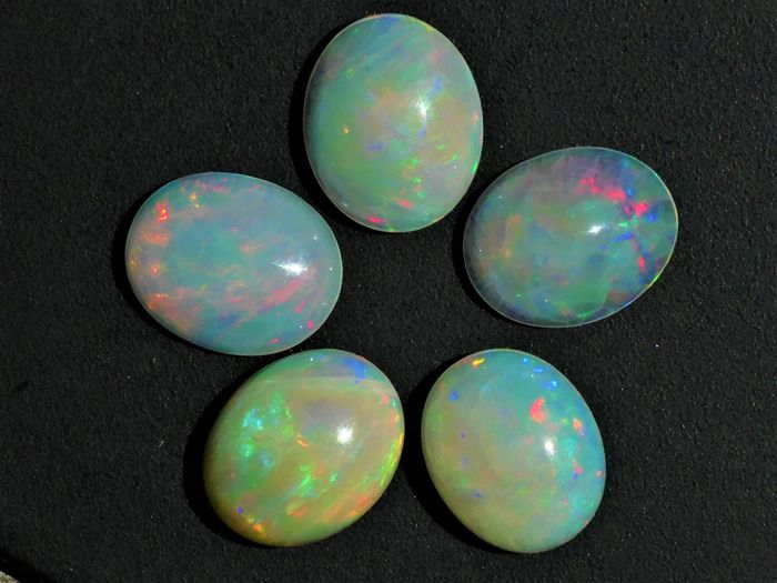 Opaal Cabochons - 1.85 g - (5)