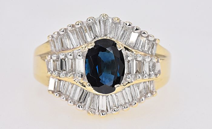 Yellow gold - Ring - 1.58 ct Sapphire - 2.32 Ct Diamonds