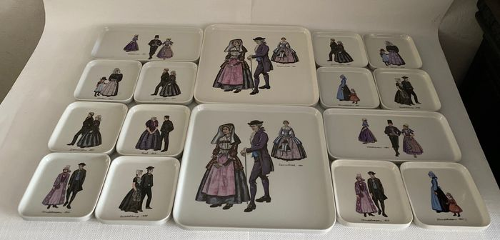 Villeroy & Boch - two sets for cakes and cakes with traditional costumes - Ceramic