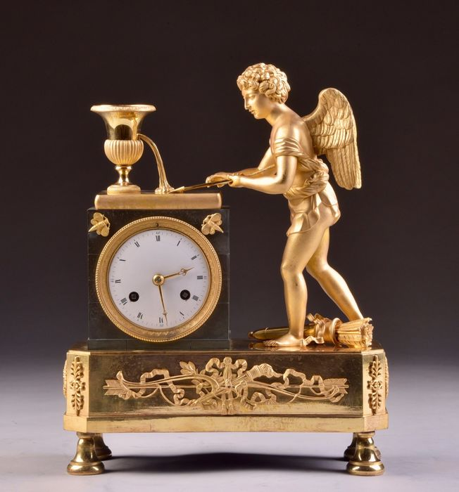 Beautiful French Empire Cupid mantel clock - Gilt bronze, Patinated bronze - Early 19th century