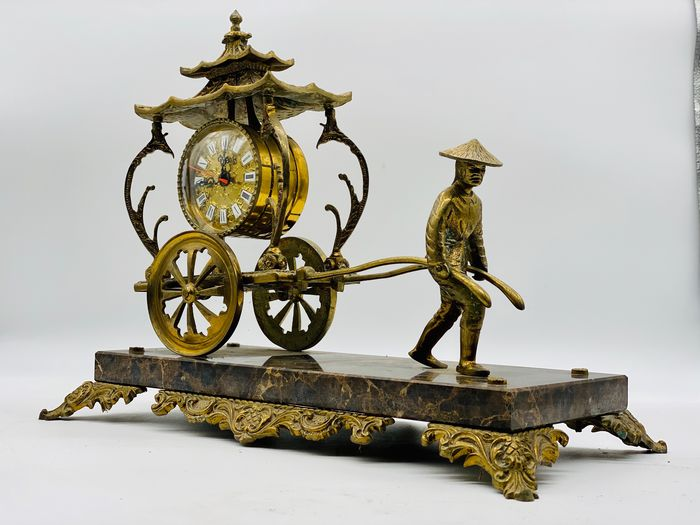 Shanghai Great Cart Clock - Bronze, Marble - Second half 20th century