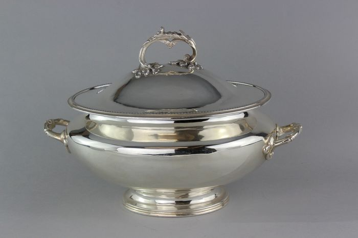 Antique  punch bowl - Silverplate