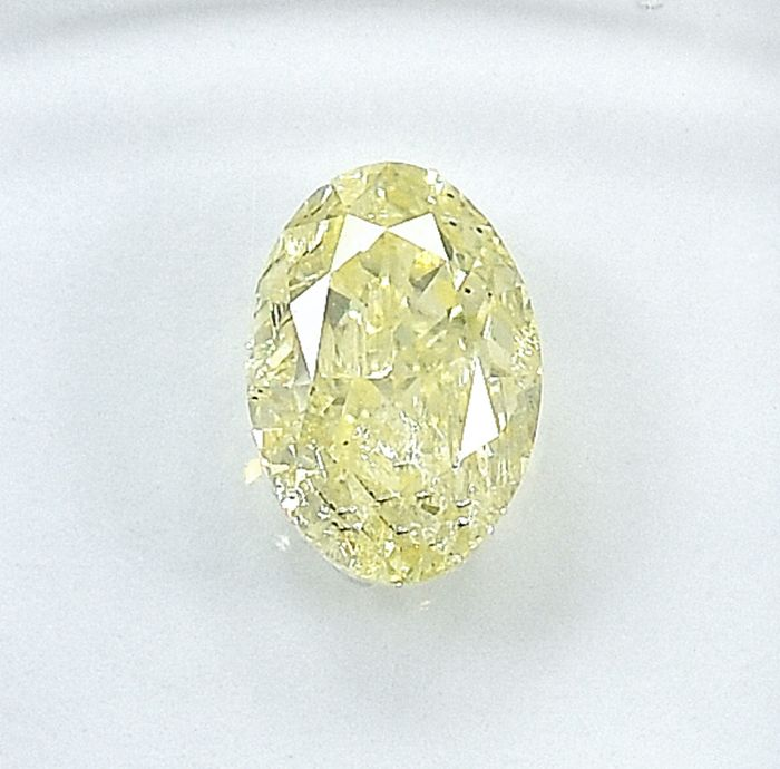 Diamond - 1.03 ct - Oval - Natural Fancy Light Yellow - I2 - NO RESERVE PRICE