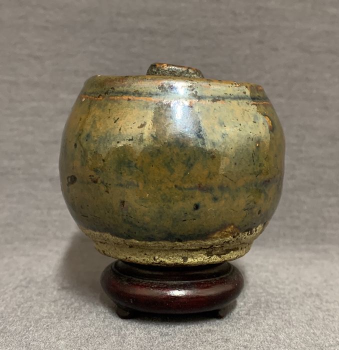 Water dropper - Porcelain - Chinese - Brown black glaze - China - Song Dynasty, 13th-14th century