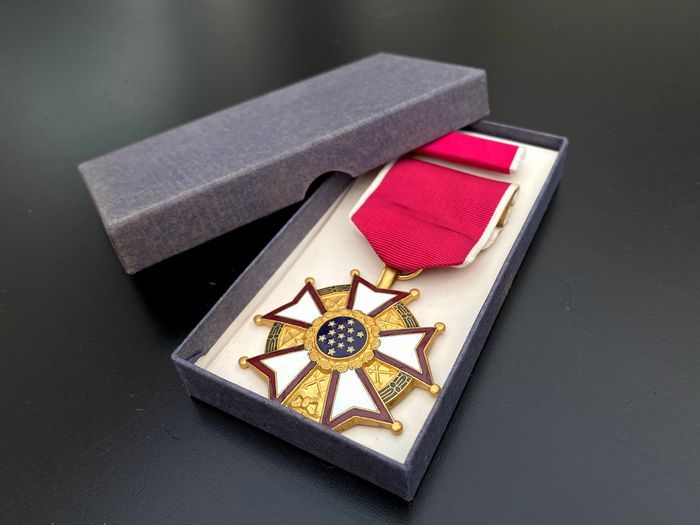Verenigde Staten - US Armed Forces - Legion of Merit -  in Original Box - with Ribbon Bar