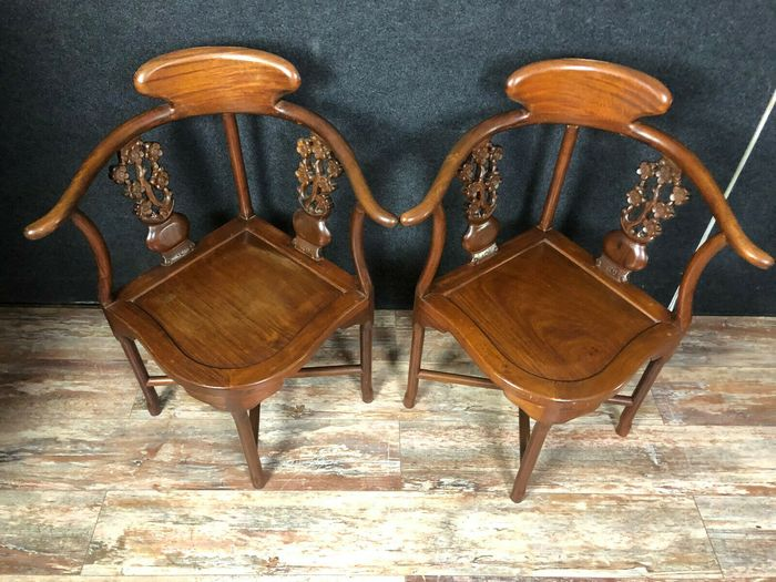 """pair of Chinese armchairs in exotic wood, called """"horseshoe armchairs"""" - Wood - Mid 20th century"""