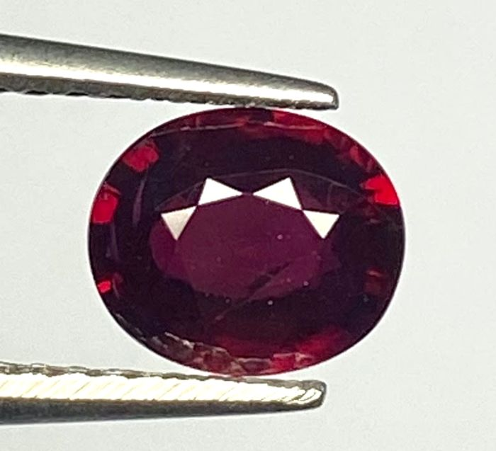 Royal Red Ruby - 1.07 ct