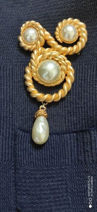 Chanel - Gold 1990 Runway Massive Arabesque and Baroque Pearl  Brooch