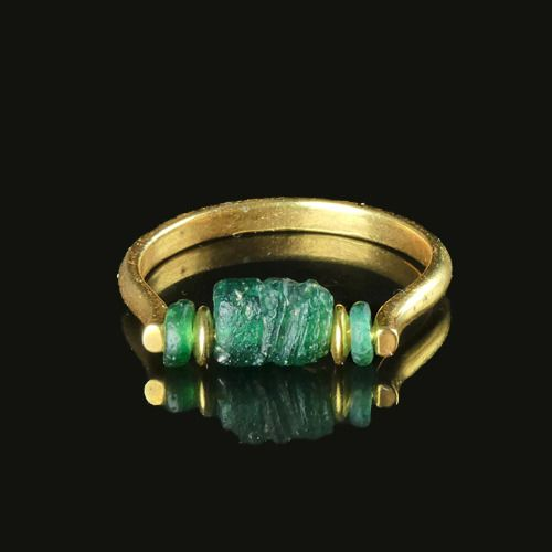 Ancient Roman Glass Ring with iridescent green glass bead - (1)