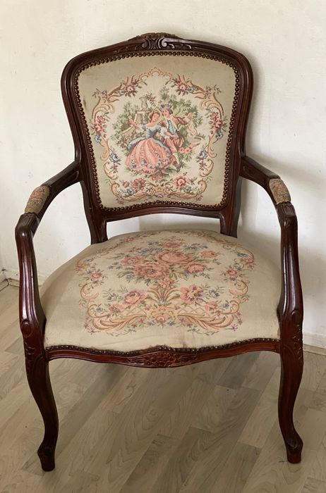 Armrest chair with embroidered upholstery - Wood- Walnut