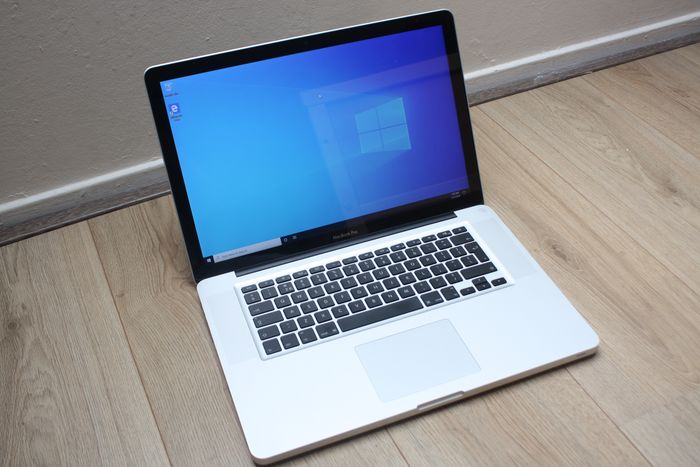 Apple MacBook Pro 15 inch (Early 2011) - Intel Quadcore i7 2.2 Ghz, 4 GB DDR3 RAM, 500 GB harde schijf - Onderhoud nodig