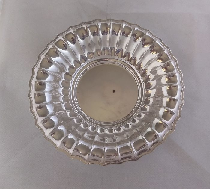 Round Art Deco style centerpiece bowl  - .800 silver - Stancampiano - Palermo  - Italy - Mid 20th century