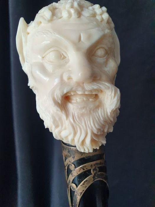 Walking stick - Baroque style - Ivory, Wood - Early 20th century