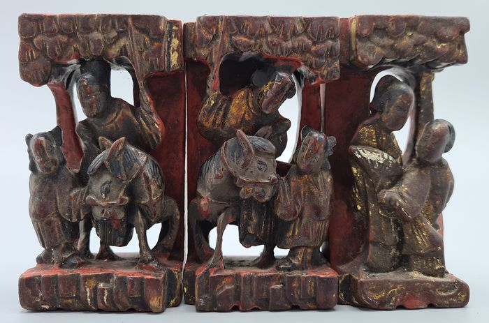 Carved Lacquered Panels - Wood - China - Mid 20th century