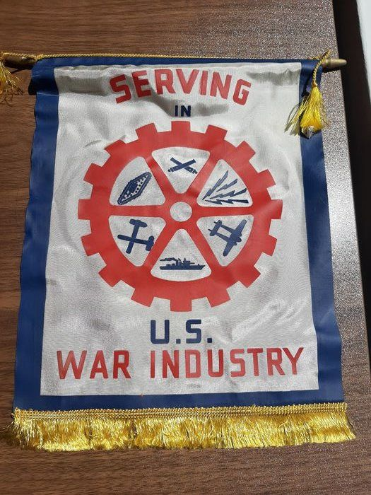 United States of America - Rare WW2 - Home-front Window Flag - ''Serving in US War Industry'' with hanger