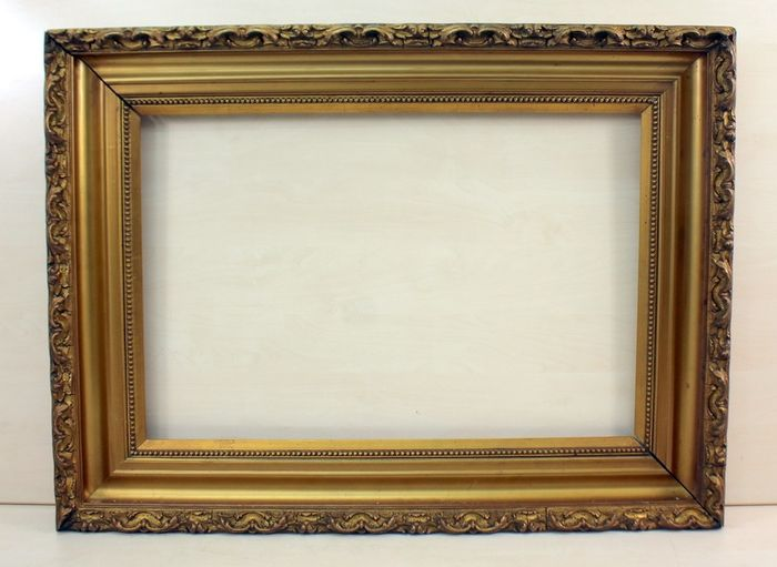 A heavy gilded picture frame - Gilt, Limewood - Late 19th century