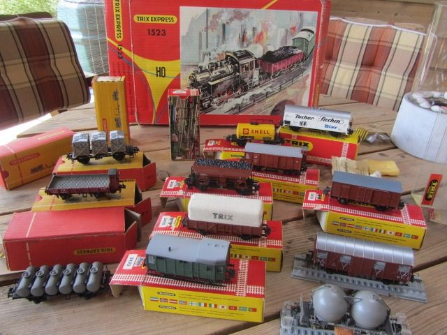 Trix Express H0 - 3449/3452/3453/3458/3464/3465/3474/a.o. - Freight carriage - 18 various and BR80 - DB
