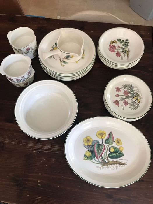 Wedgwood - Table service (25) - Porcelain