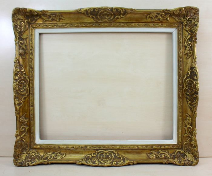 A gilded picture frame - Gilt, Limewood - about 1900