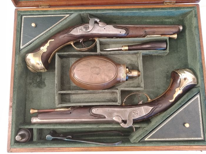 France - BEAUSSERON Á BERGERAC - HOLSTER - Cavalry - Percussion - PAIR PISTOLS IN CASE - 15