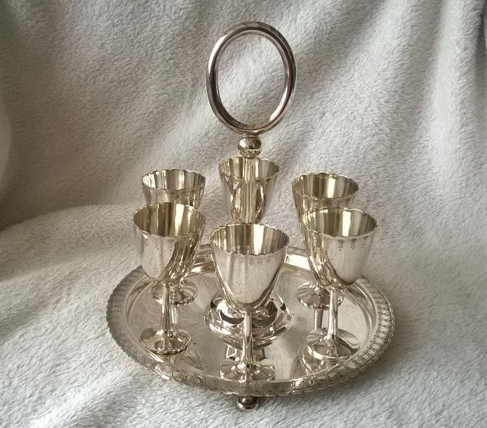 Joseph Rogers & Sons Sheffield - serve holder complete with 6 egg cups or Cruet Cups (7) - Silverplate