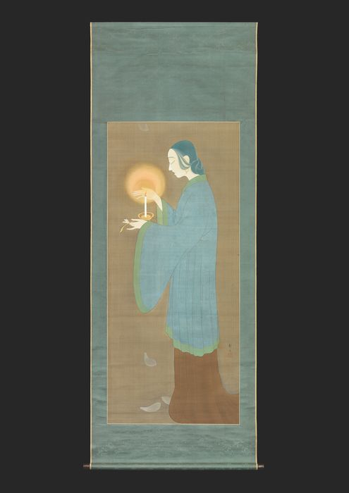 Hanging scroll painting - Kikuchi Keigetsu (1879-1955) - Scroll, ink and color on silk, mounting on silk - Bijin holding an oil lamp - Japan - Taishō period (1912-1926)