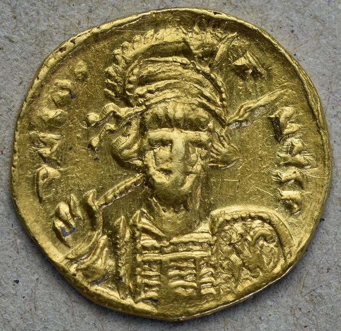 Unsichere germanische Stämme - Pseudo-Imperial coinage. AV Solidus, in the name of Byzantine emperor Constantine IV (668-685) - Gold