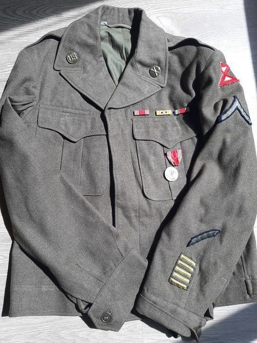 United States of America - Rare WW2 Eisenhower ''Ike'' Jacket - 10th Army with medals/badges - large size! Okinawa Campaign - Pacific - 1944