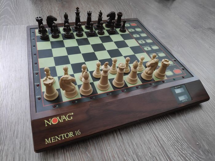 Novag Mentor 16 model 892 chess computer  - Console - Without original box