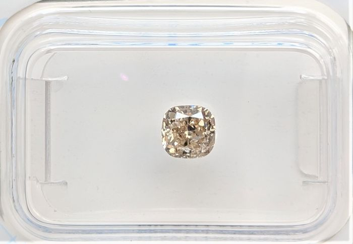 Diamond - 0.65 ct - Cushion - fancy brownish yellow - SI2, No Reserve Price