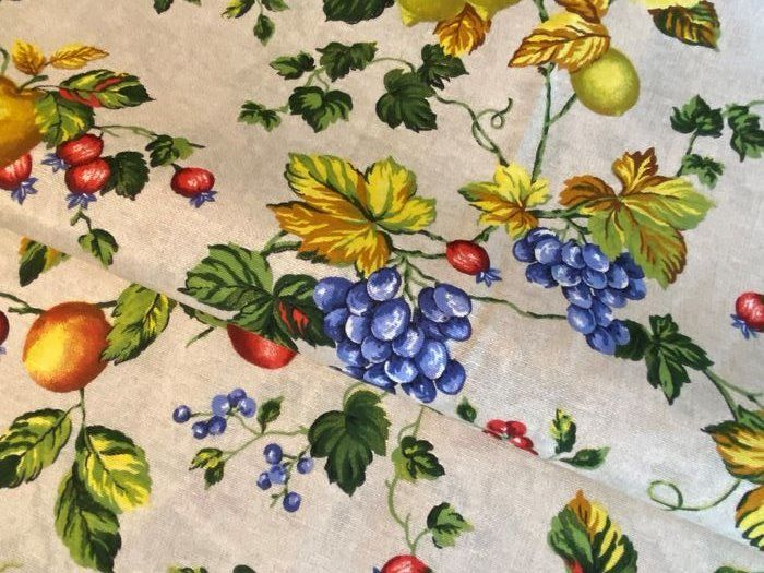 2.8 x 2.7 m - multicolor fruit decoration fabric sanderson style - cotton blend - Late 20th century