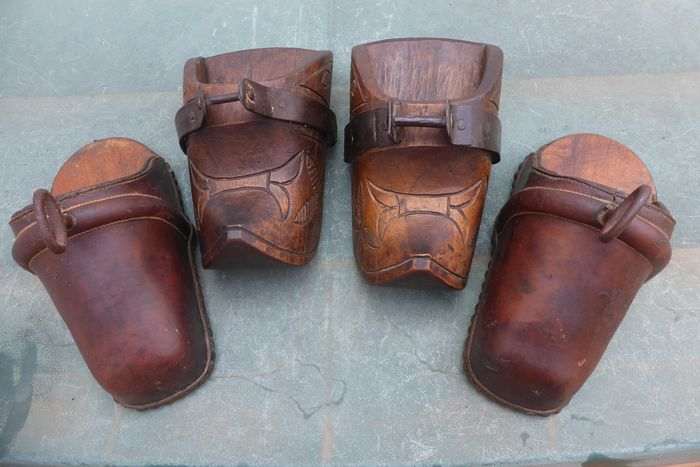 Stirrups (4) - Leather, Metal, Wood - Huaco / Picador - South America
