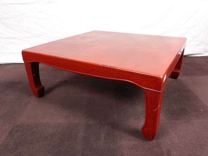 Table (250) - Lacquer - Vintage nice quality coffee table - Japan - Mid 20th century