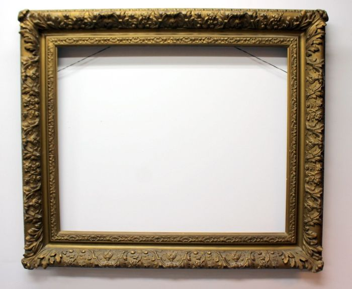 A capital classic picture frame - Baroque - Gilt, Limewood - Late 19th century