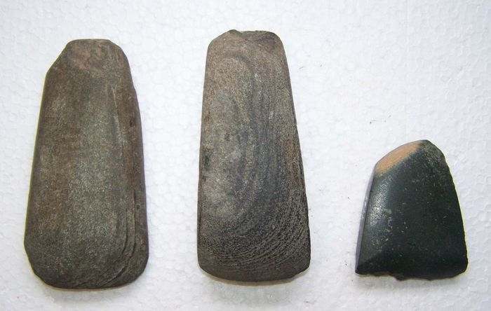 Prehistoric, Mesolithic/Epipaleolithic Stone (B-149) collection of ceramic band axes - 0.7×1.2×11.5 cm - (3)