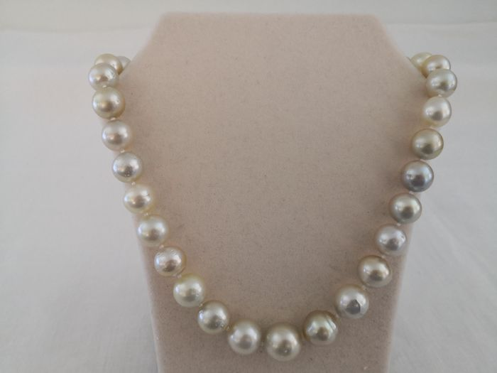18 kt. South sea pearls, Yellow gold, Natural Color and Luster 12-16 mm - Necklace