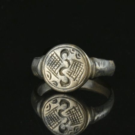 Ancient Roman Silver Ring with 'Aquila wings'  - (1)