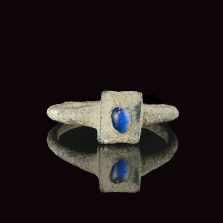 Medieval Bronze Ring with blue glass cabochon - (1)