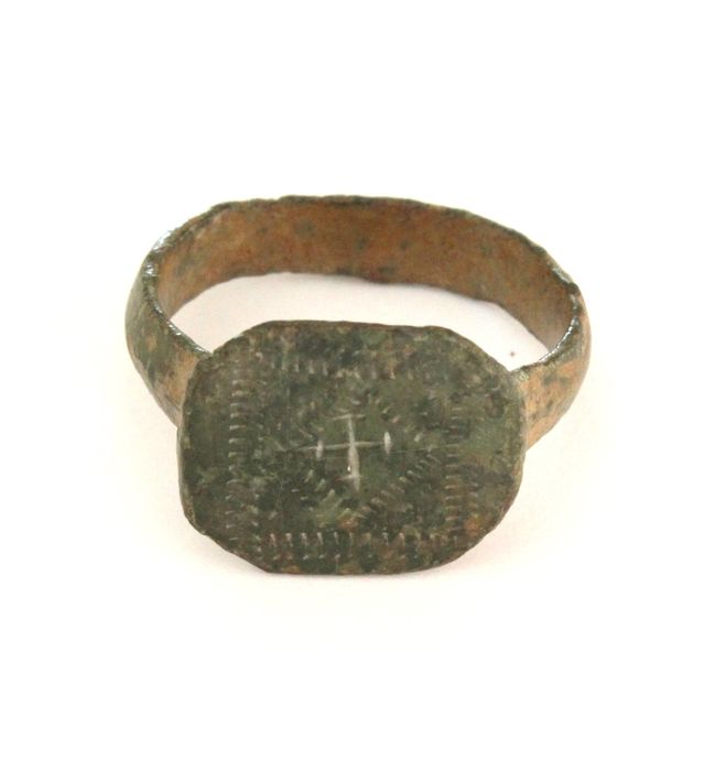 Medieval Bronze Time of Crusader Knights ring with Templar cross