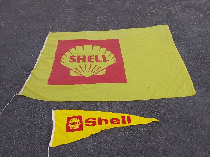 old flags shell. - Benzinestations - Shell