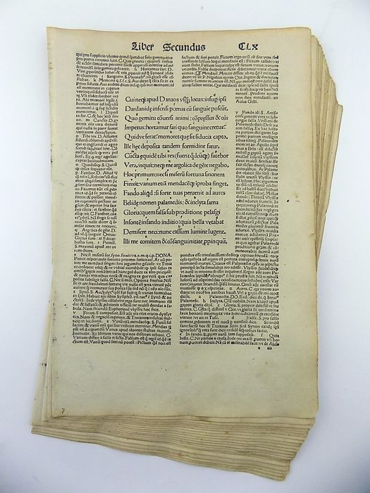 Lot of 20 incunabula leaves from Vergilius Maro, Publius (70-19 B.C.) - From Book II & III of the Aeneid published by Sebastian Brandt in 1502 - 1502