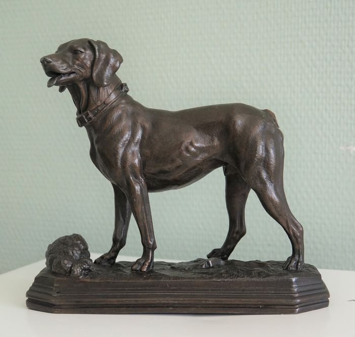 Sculpture of a hunting dog  - Pewter, Zamac - 1890-1910