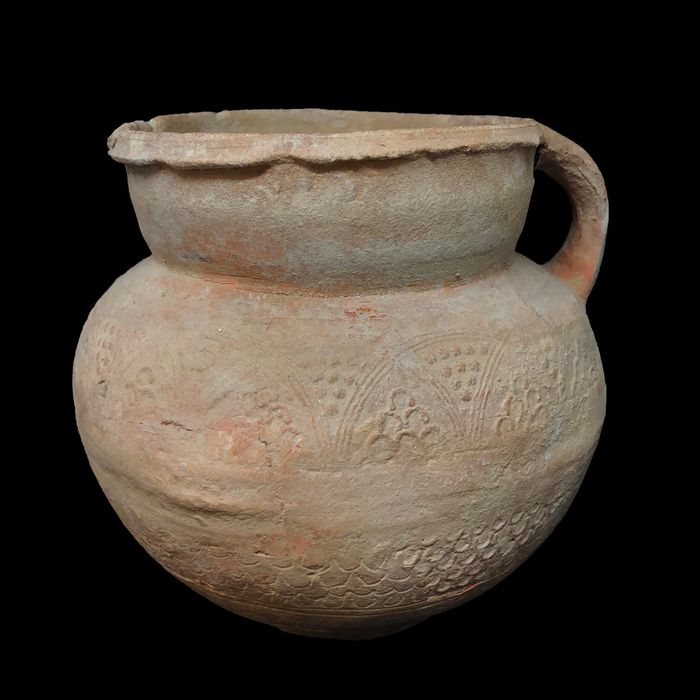 Islamic Pottery decorated vessel, 15 x 16 cm
