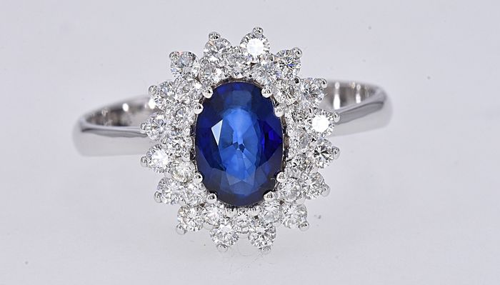18 kt. White gold - Ring - 1.03 ct Sapphire - Diamonds