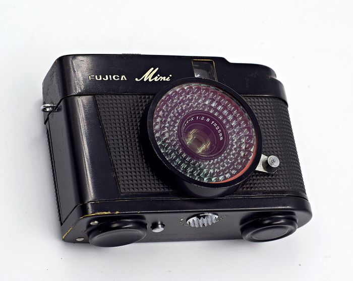 Fujica The New Fujica Mini - Fixed Focus Compact 35mm Half Frame Film Camera - Year 1965 -