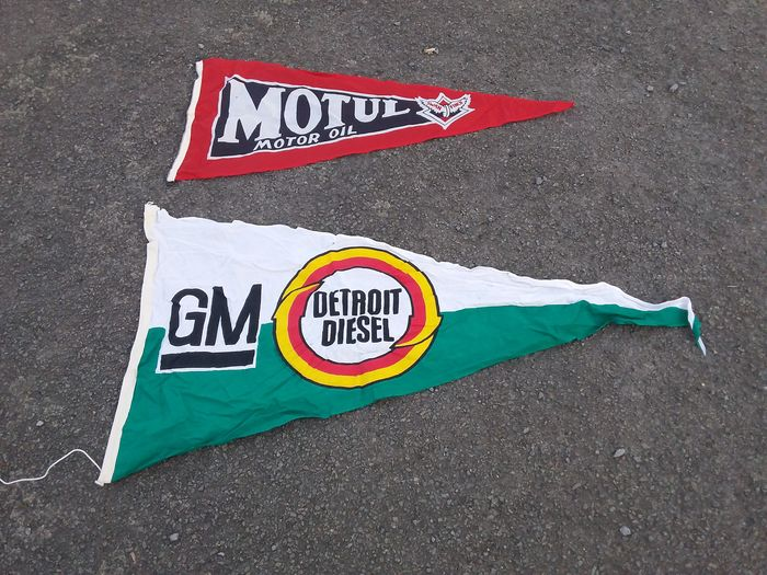 old flags motul, gm Detroit diesel. - motul,Goody Detroit diesel.