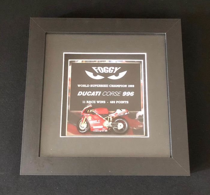 Decorative object - 3D Frame 1999 Superbike Championship Carl Fogarty Ducati scale model - 1990-2000